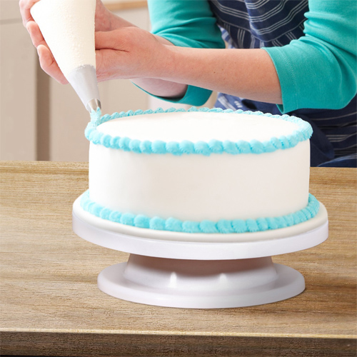 Revolving Cake Decorating Stand : $11.99