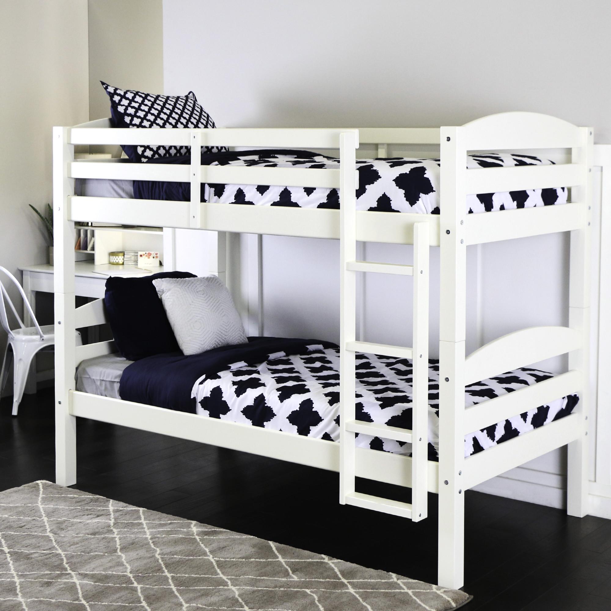 белая двухъярусная кровать фото него вторые сутки