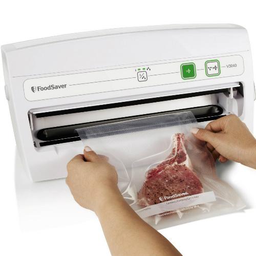 coupon FoodSaver V3040 Vacuum Sealing System