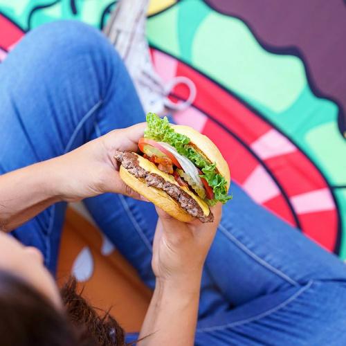 Smashburger Coupon : Buy 1 Entree, Get 1 for $1