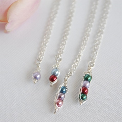 69% off Custom Mama's Sweet Peas Necklace : Only $7.99